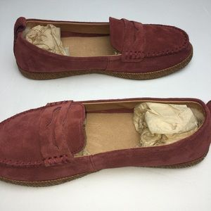 f02fe515b40 NWOT UGG Charlie Loafers Red Clay Suede (8)